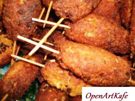Куриные колбаски в кунжуте