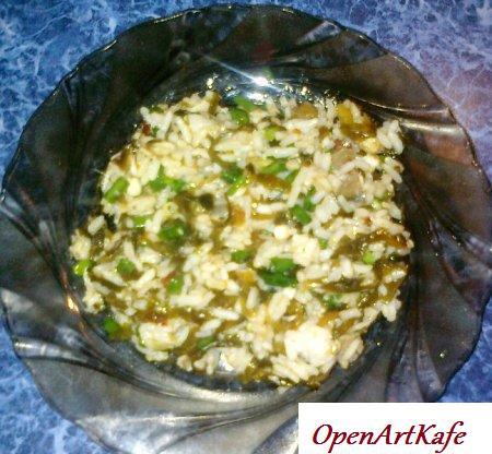 Салат из риса и морской капусты